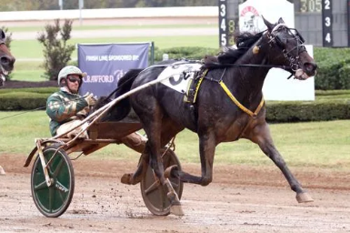 Atlanta converts from the pocket in Allerage Farms Open Trot